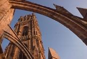 Arc-boutant + clocher (Cathédrale)sommaire